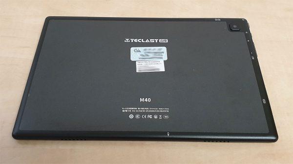 A Teclst M40 tablet műanyag hátlapja