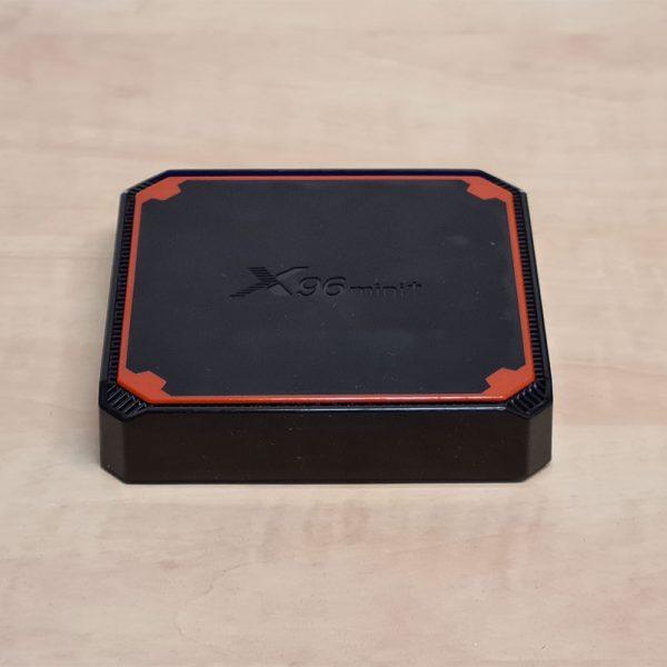 Az X96 mini+ TV Box kinézete
