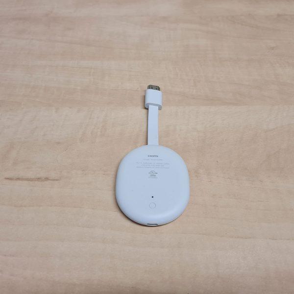 A Chromecast Google TV-vel alsó része