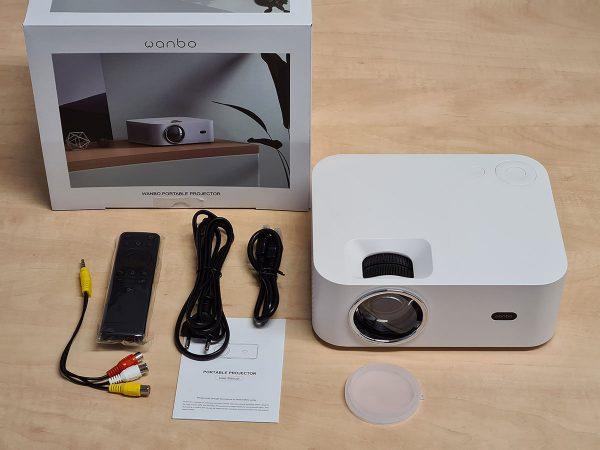 A Xiaomi Wanbo X1 projektorhoz kapott tartozékok